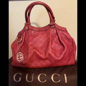 Gucci SUKY bag in red leather with GG embossed Med